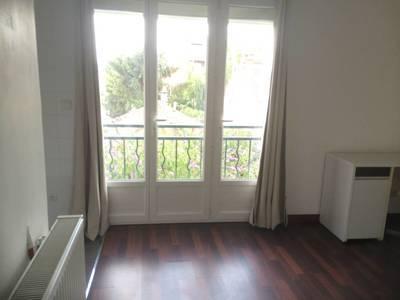 Location meublée studio 20m² Villejuif (94800) - 570€