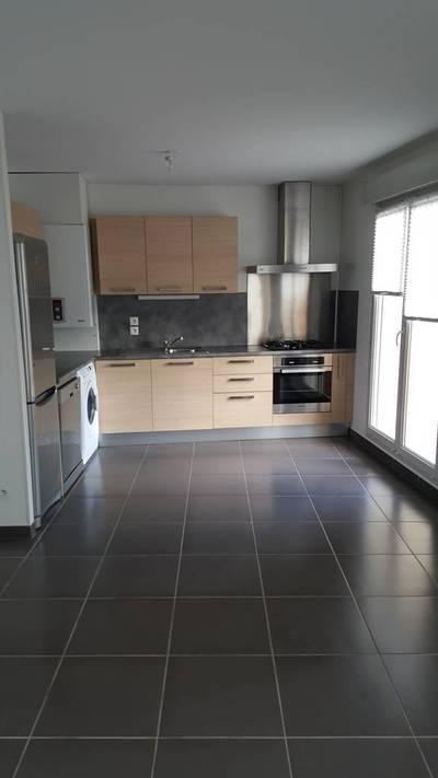 Location appartement 4pièces 80m² Cessy (01170) - 1.480€