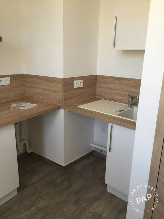 location studio 22 m toulon 83 22 m 435 e de particulier particulier pap. Black Bedroom Furniture Sets. Home Design Ideas