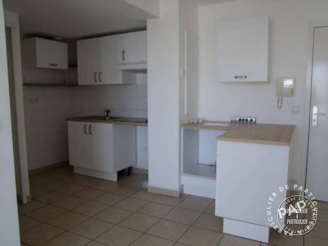 Location immobilier 923€ Limitrophe Marseille 6E