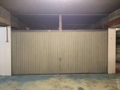 Location garage, parking Paris 17E - 375€
