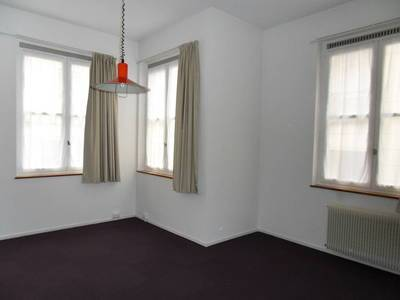 Location studio 41 m² Paris 4E - 1.180 €