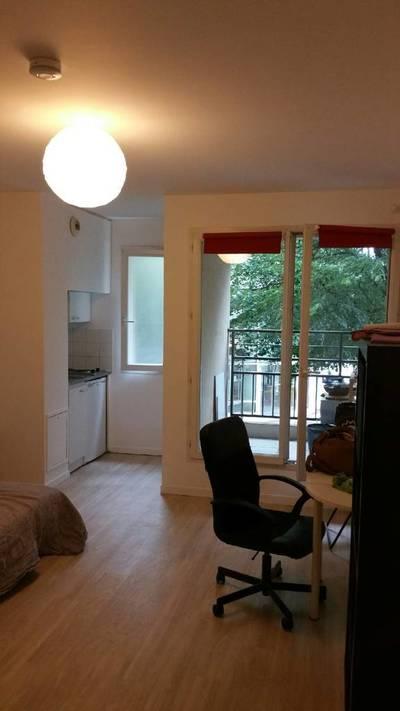 Location meublée studio 22m² Issy-Les-Moulineaux (92130) - 750€