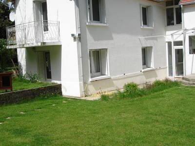 Location meublée maison 50m² Buc (78530) - 930€