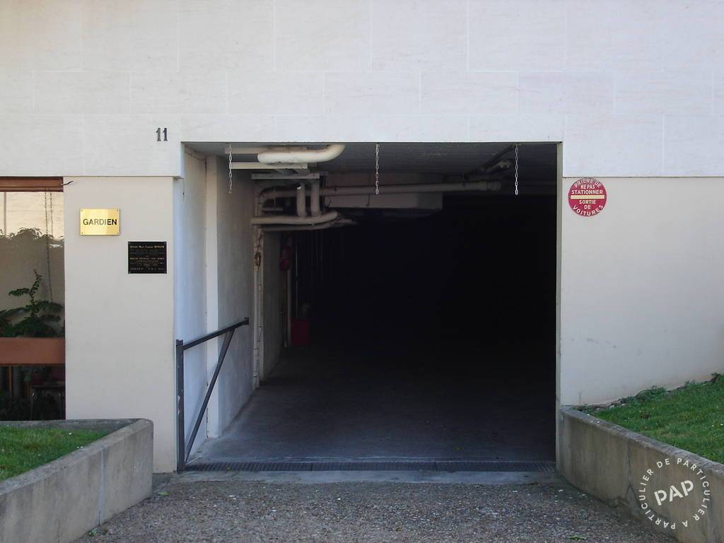 Location garage parking gentilly 94250 100 de for Location box garage particulier