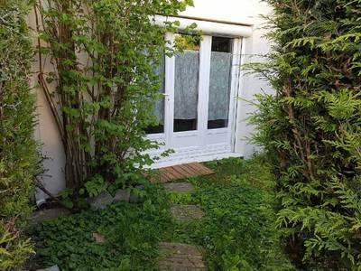 Location meublée studio 29m² Elancourt (78990) - 610€
