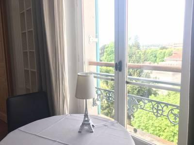 Location meublée appartement 2pièces 42m² Saint-Germain-En-Laye (78100) - 1.180€