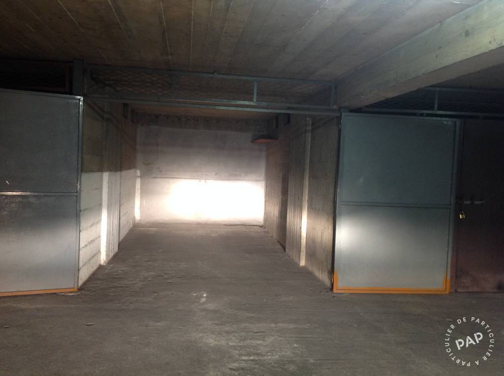 Location garage parking paris 15e 150 e de for Location box garage particulier