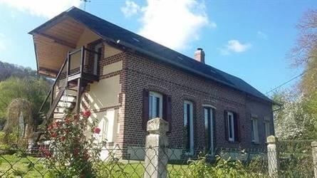 Location meublée maison 115m² Beaumont-Le-Roger (27170) - 680€