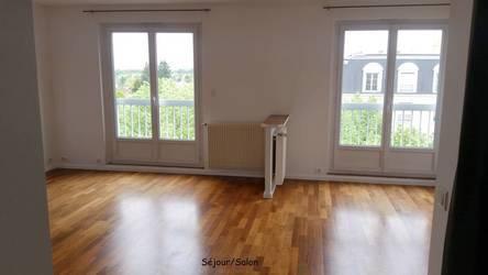 Location appartement 3pièces 66m² Le Plessis-Robinson (92350) - 1.300€