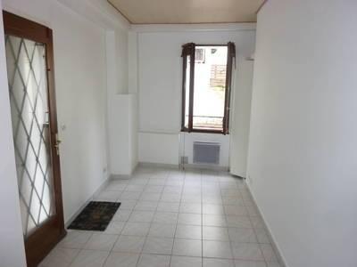 Location appartement 2pièces 32m² Saint-Maur-Des-Fosses (94) - 740€