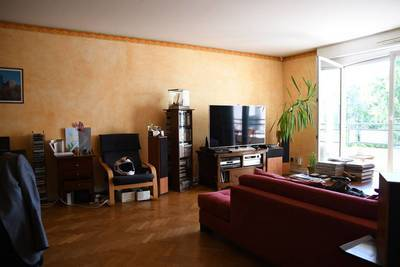 Location meublée appartement 3pièces 92m² Le Plessis-Robinson (92350) - 1.850€