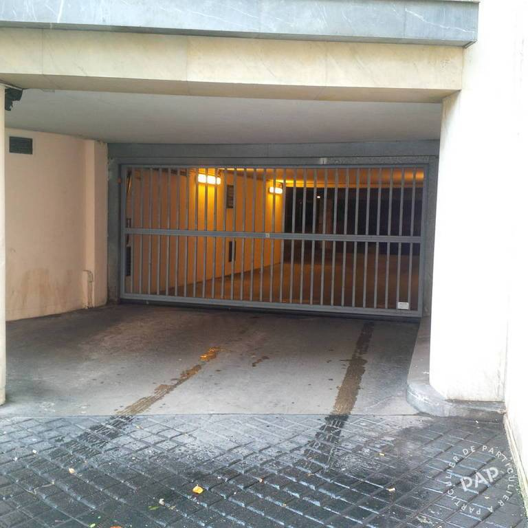 Location garage parking paris 6e 170 e de particulier for Location box garage particulier