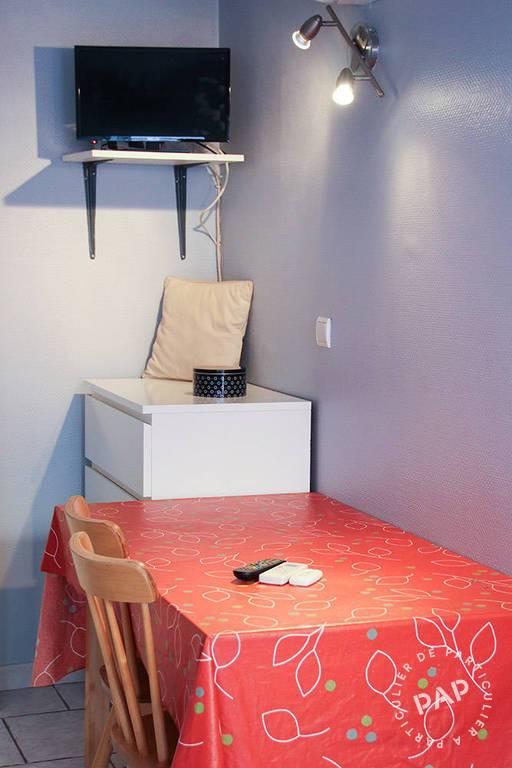 location studio 18 m marseille 7e 18 m 550 e de. Black Bedroom Furniture Sets. Home Design Ideas