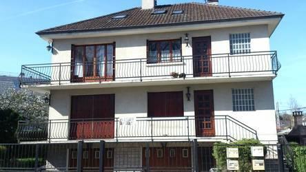 Location appartement 4pièces 88m² Jouy-En-Josas (78350) - 1.355€