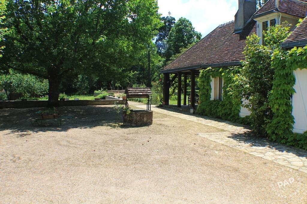 Maison Jouet-Sur-L'aubois (18320) 330.000€