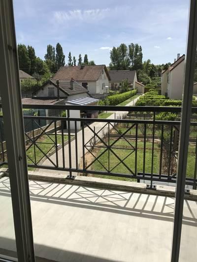 Location appartement 2pièces 49m² Vaujours (93410) - 850€