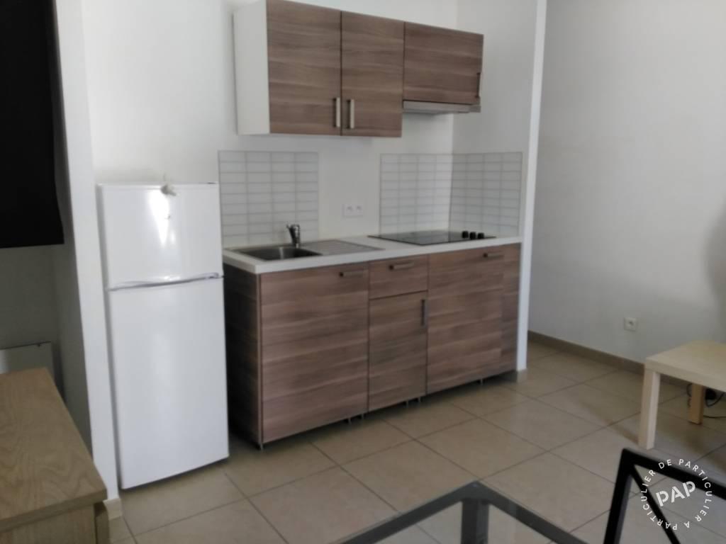 Location meubl e studio 24 m salon de provence 13300 for Studio salon de provence