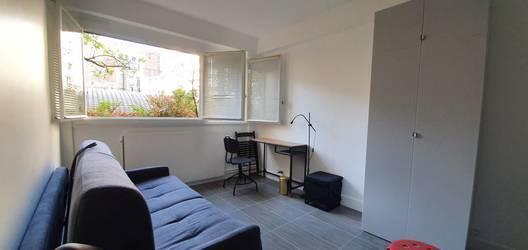 Location meublée chambre 17m² Paris 7E - 700€
