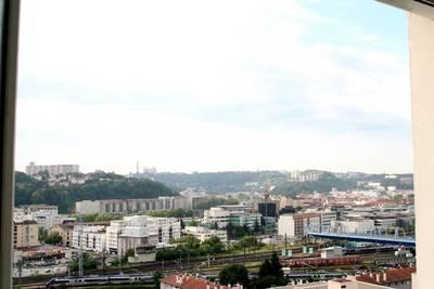 Lyon 9E