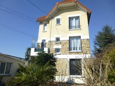 Location appartement 3pièces 55m² Livry-Gargan (93190) - 875€