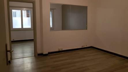 Location bureaux et locaux professionnels 74m² Toulon (83) - 650€