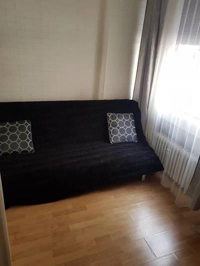 Location meublée studio 15m² Paris 16E - 710€
