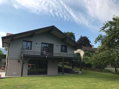 Location meublée maison 210m² Saint-Julien-En-Genevois (74160) - 4.300€