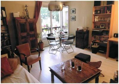 Location appartement 2pièces 49m² Paris 10E - 1.500€
