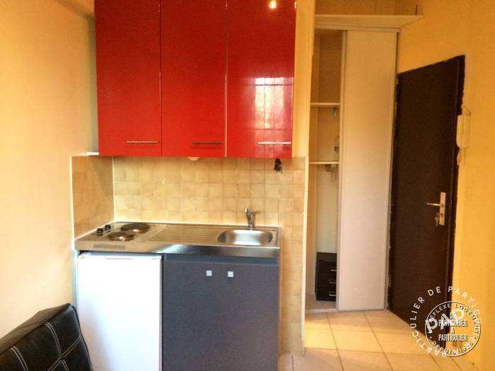 Location immobilier 490 € Paris 8E