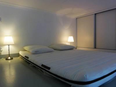 Location meublée studio 20m² Paris 4E - 831€