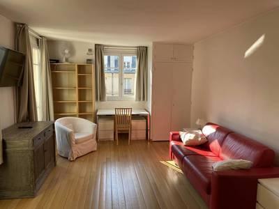 Location meublée studio 33m² Paris 16E - 1.150€