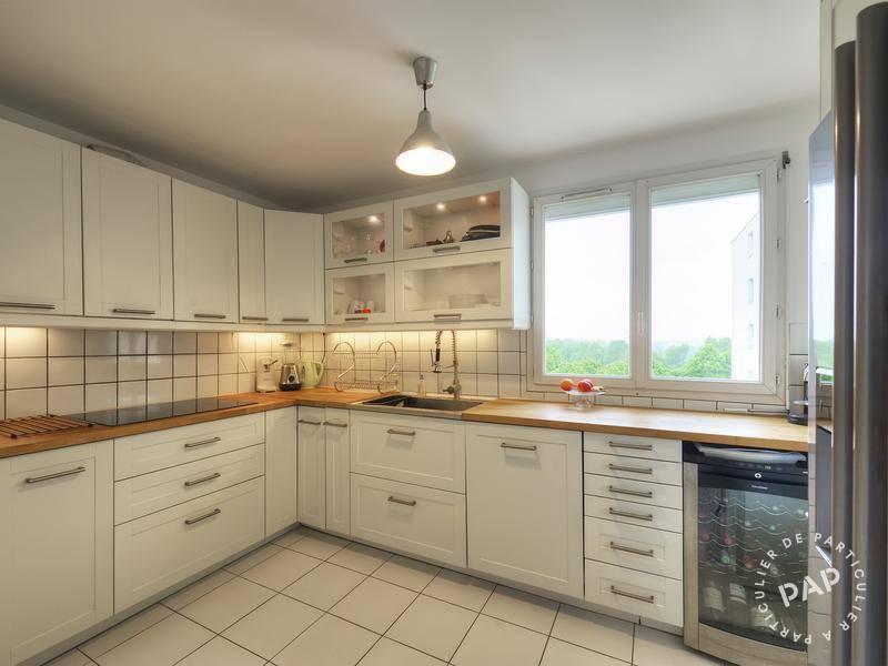 Location immobilier 2.250€ Montigny-Le-Bretonneux (78180)