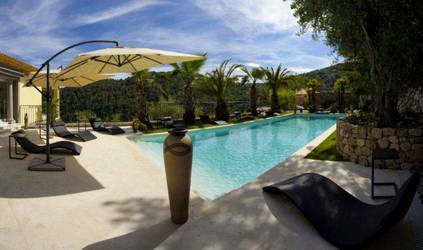 Location meublée maison 285m² Grasse (06) - 4.500€