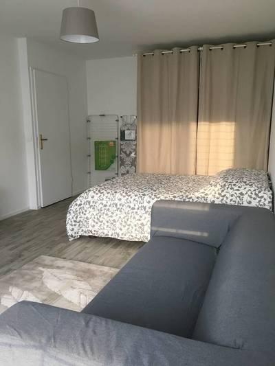 Location meublée studio 33m² Pierrefitte-Sur-Seine (93380) - 830€