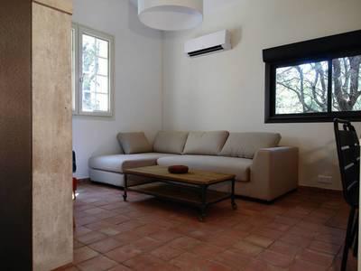 Location meublée maison 58m² Villeneuve-Les-Avignon (30400) - 1.000€