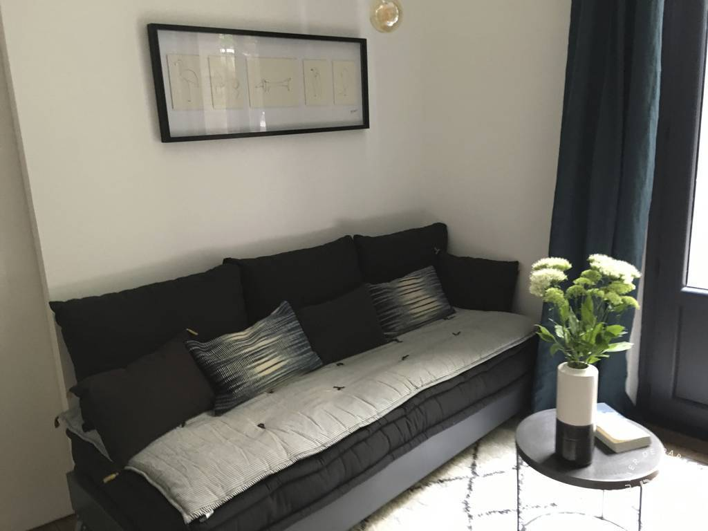 Appartement Studio + Cour Privative 1.050 €