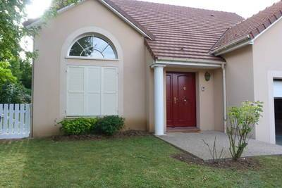 Location maison 141m² Santeny (94440) - 1.753€