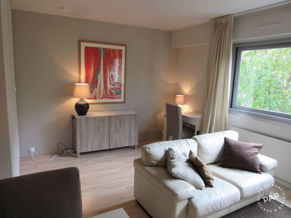 location meubl e studio 30 m paris 10e 30 m de particulier particulier pap. Black Bedroom Furniture Sets. Home Design Ideas