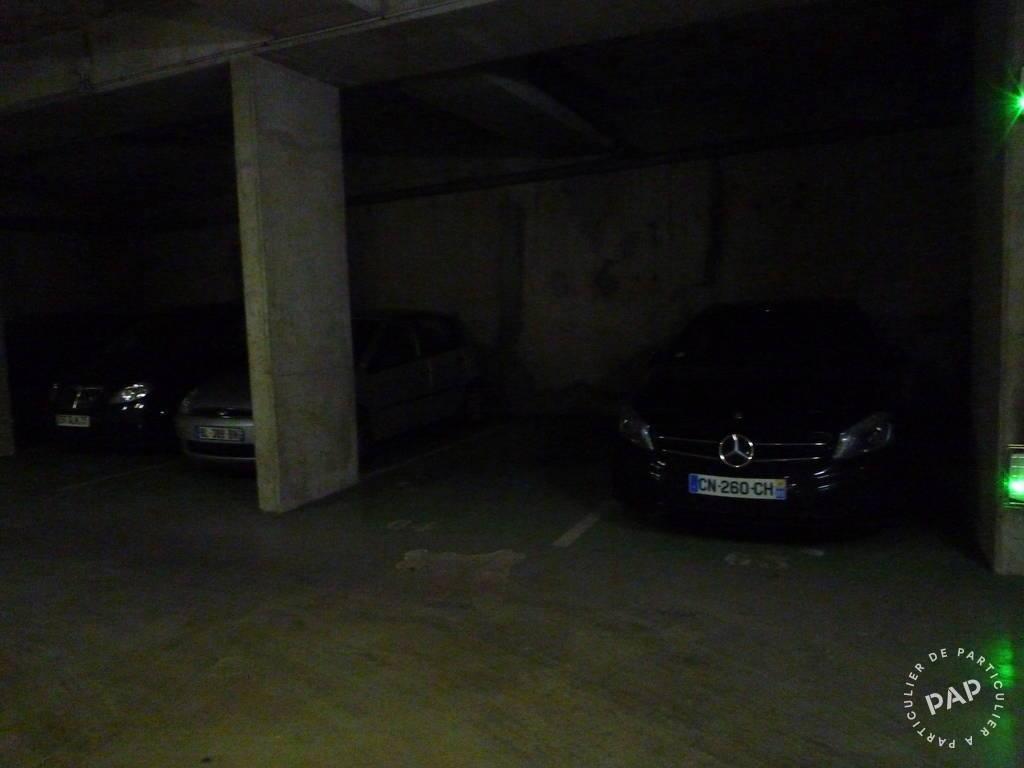 Location garage parking paris 18e 125 de for Garage paris 18e