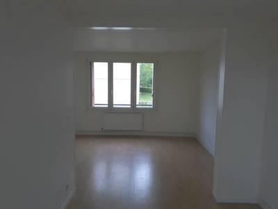 Location appartement 4pièces 65m² Sainte-Genevieve-Des-Bois (91700 - 840€