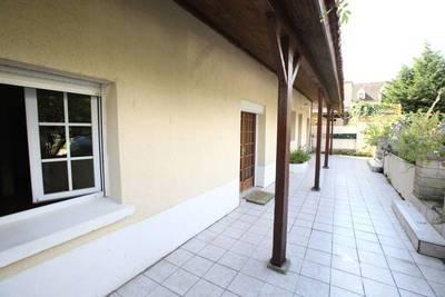 Location appartement 3pièces 70m² Fontenay-Le-Fleury (78330) - 930€