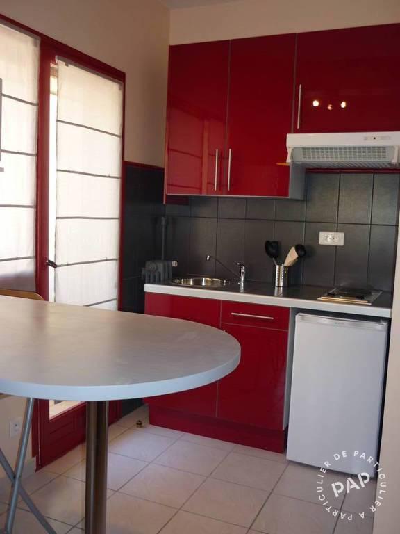 location meubl e studio 32 m toulon 83 32 m 560 e de particulier particulier pap. Black Bedroom Furniture Sets. Home Design Ideas