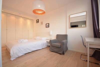 Location meublée appartement 2pièces 36m² Paris 15E - 1.650€