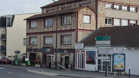 Location ou cession local commercial 225 m² Meaux (77100) - 3.500 €