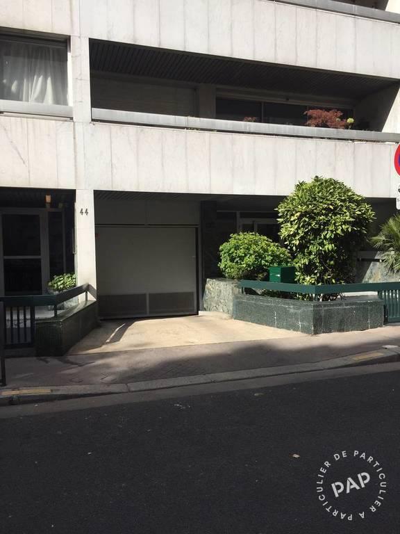 location garage parking paris 16e 220 e de particulier particulier pap. Black Bedroom Furniture Sets. Home Design Ideas