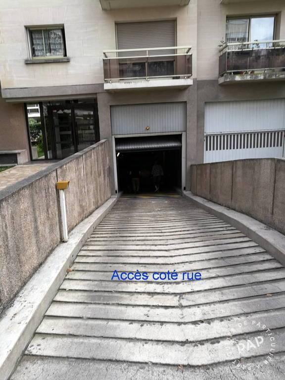Location garage parking montrouge 92120 80 e de for Garage colin montrouge