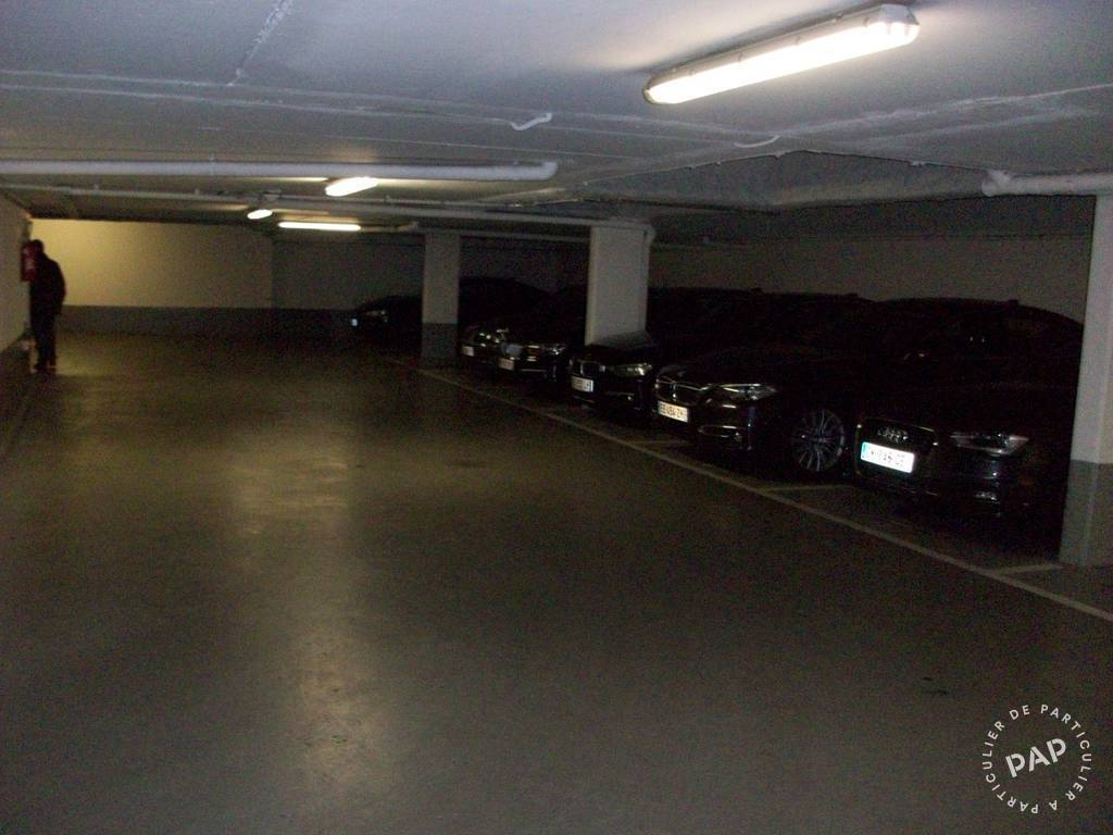 location garage parking paris 17e 225 de. Black Bedroom Furniture Sets. Home Design Ideas