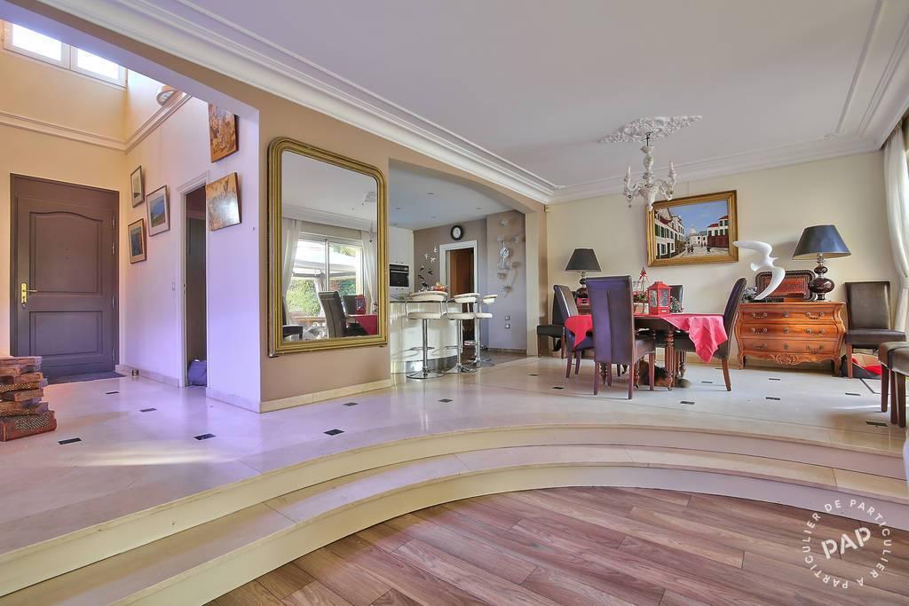 vente maison 250 m saint germain en laye 78100 250 m de particulier. Black Bedroom Furniture Sets. Home Design Ideas