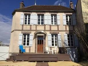 Location meublée maison 172m² 10 Mn Sens (89100) - 895€